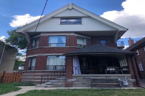 40 Harvard Ave, Toronto