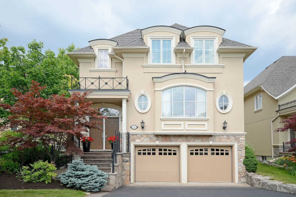 2203 Pond Rd, Oakville