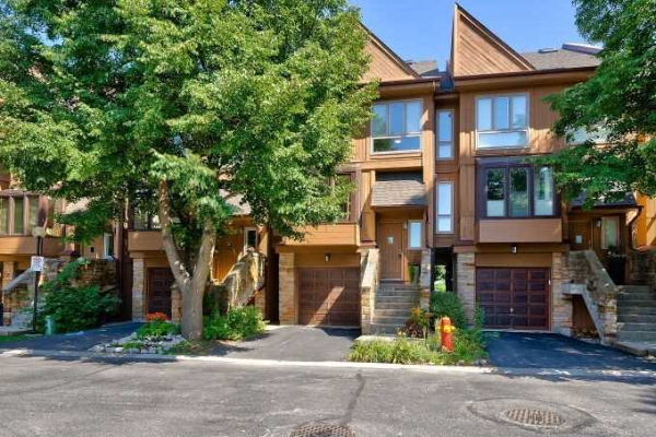 1120 Queens Ave, Oakville