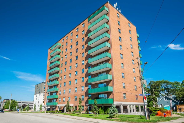 49 Queen St E, Mississauga