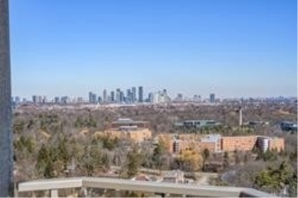 1900 The Collegeway Dr, Mississauga