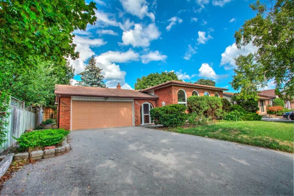 2502 Yarmouth Cres, Oakville