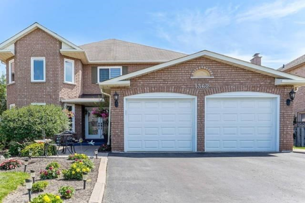 1362 Pilgrims Way, Oakville