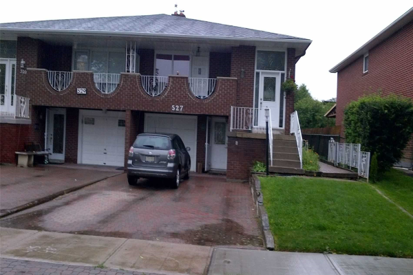 527 Cavell Dr, Mississauga