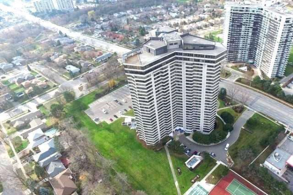 1300 Bloor St, Mississauga