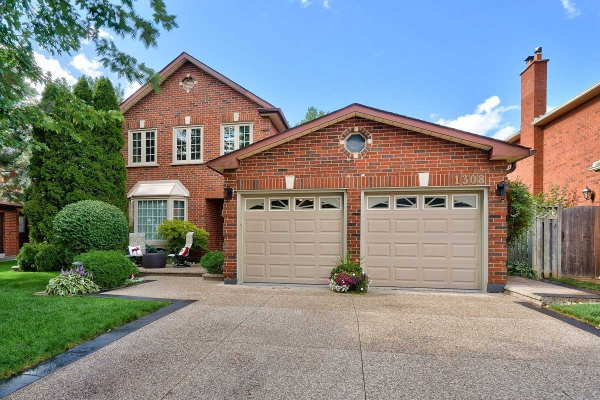 1308 Creekside Dr, Oakville