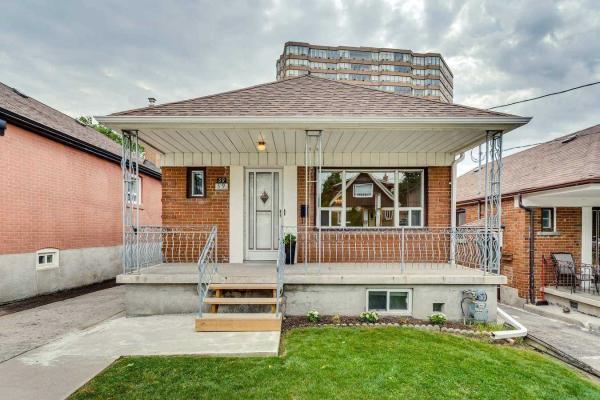 39 Lonborough Ave, Toronto