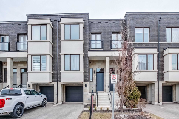266 Vellwood Common, Oakville