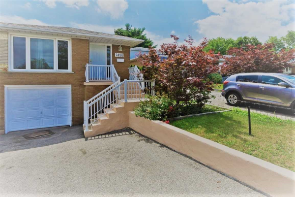 2426 Whaley Dr, Mississauga
