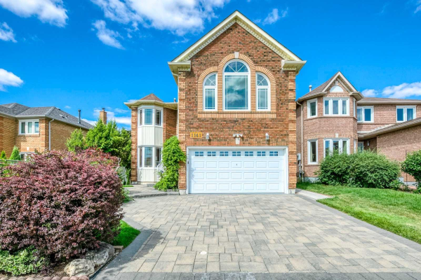 1141 White Clover Way, Mississauga
