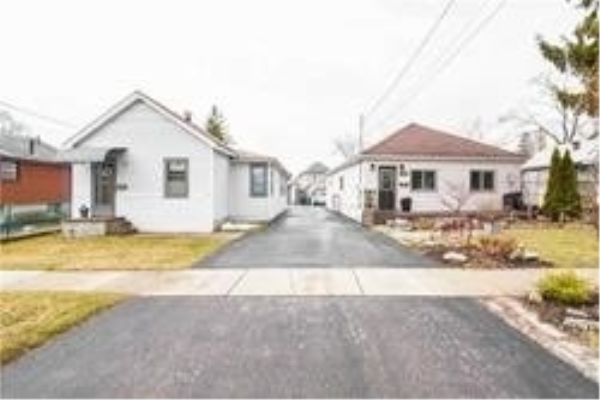 1222 Northmount Ave, Mississauga
