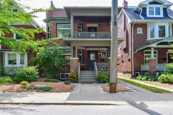 31 Hewitt Ave, Toronto