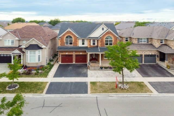 1121 Meighen Way, Milton