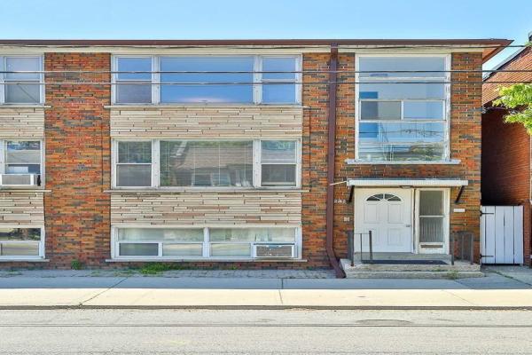 242 Jane St, Toronto