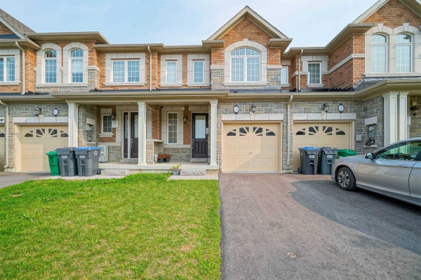 35 Hogan Manor Dr S, Brampton