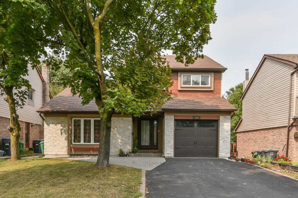 112 Royal Palm Dr, Brampton