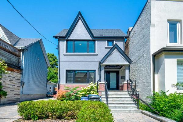 22 Saunders Ave, Toronto