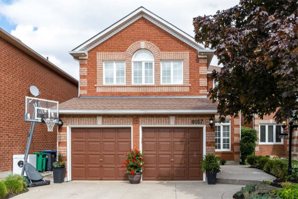 6057 Maple Gate Circ, Mississauga