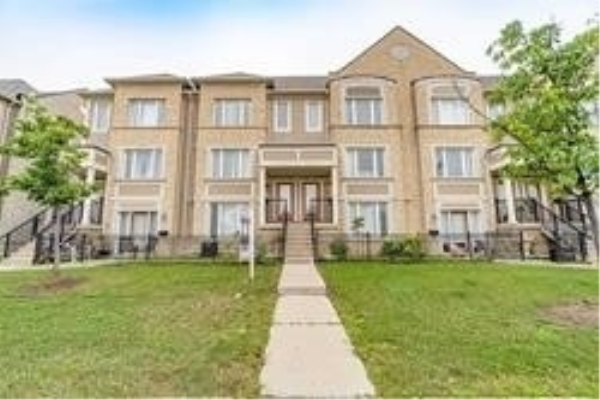 60 Fairwood Circ, Brampton
