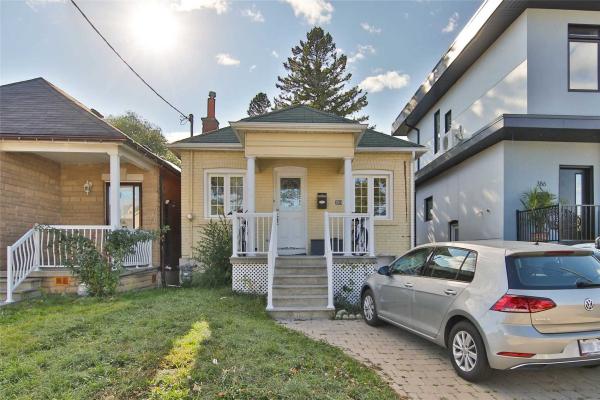 384 Blackthorn Ave, Toronto