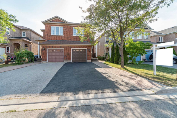 3419 Fountain Park Ave, Mississauga