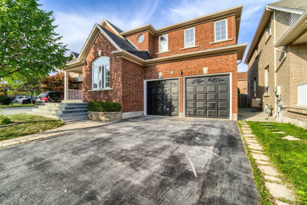 2292 Blue Oak Circ, Oakville