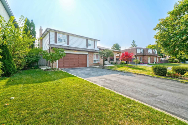 $1,395,000 • 1224 Willowbrook Dr, Oakville