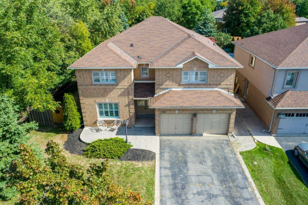 390 River Glen Blvd, Oakville
