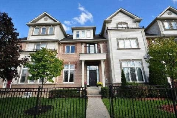 5801 Tenth Line W, Mississauga