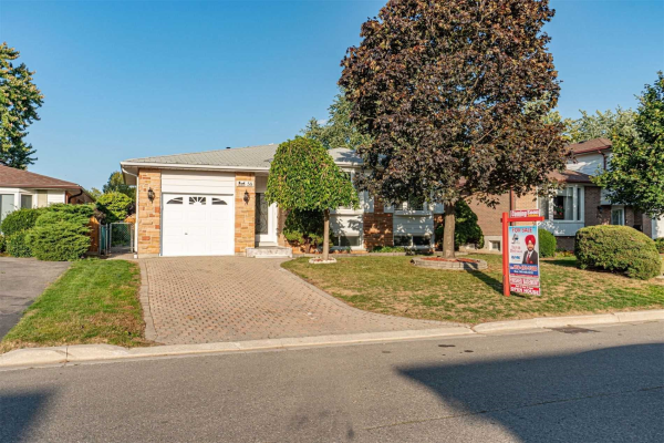 58 Farmington Dr, Brampton