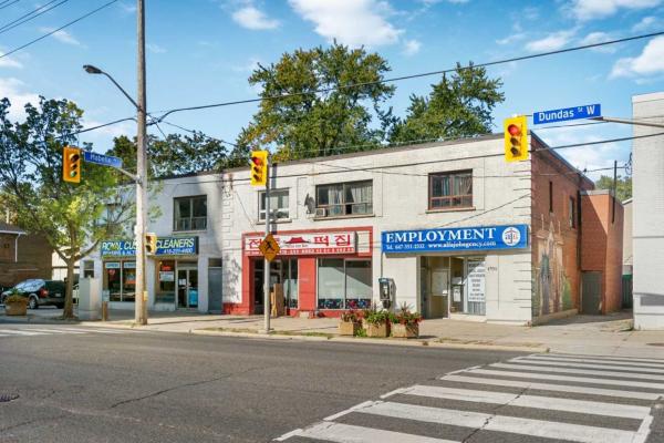 4990 Dundas St W, Toronto