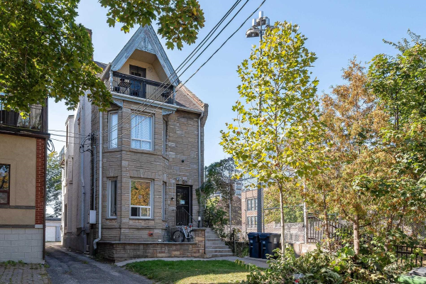 164 Close Ave, Toronto