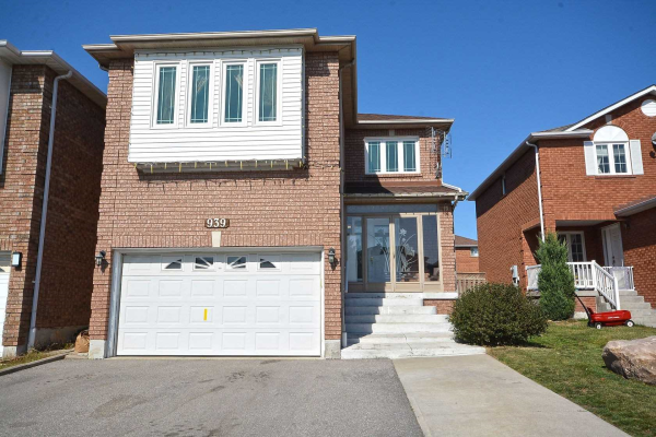 939 Winterton Way, Mississauga