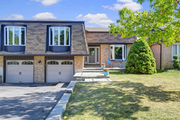 $899,900 • 2892 Oslo Cres, Mississauga