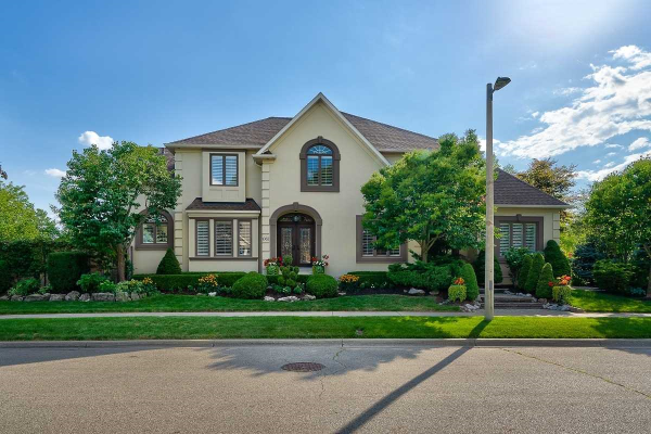 1082 Sheltered Oak Crt, Oakville