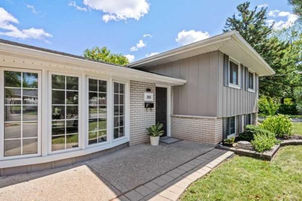 283 Hampton Heath Rd, Burlington