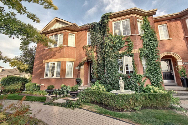 2252 Westoak Trails Blvd, Oakville