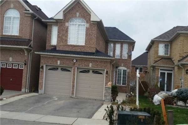 5989 Sidmouth St, Mississauga