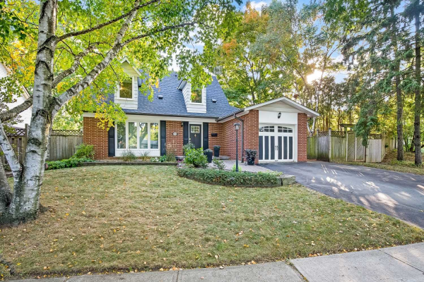 1394 Ian Rd, Burlington