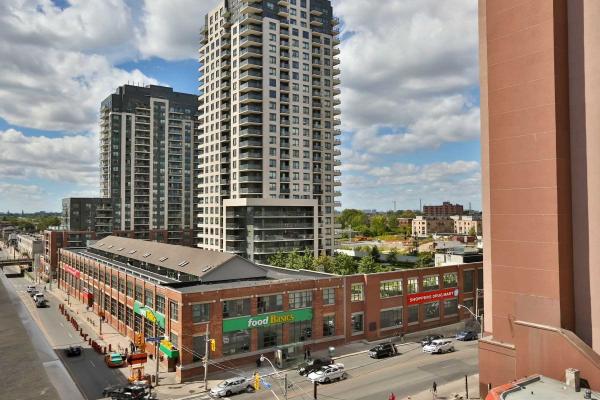 1375 Dupont St, Toronto
