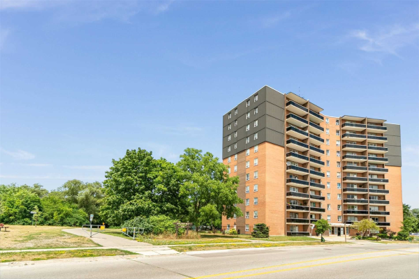 3145 Queen Frederica Dr, Mississauga