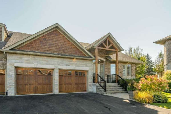 2 Reddington Dr, Caledon