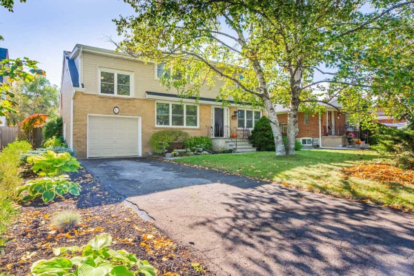 11 Thornly Cres