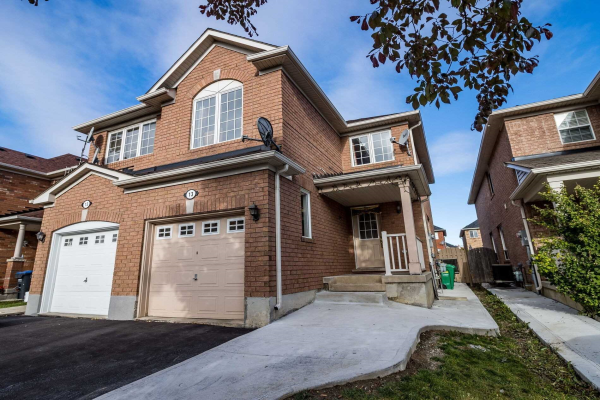 13 Jingle Cres, Brampton