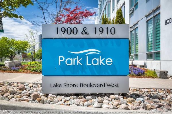 1900 Lake Shore Blvd W, Toronto