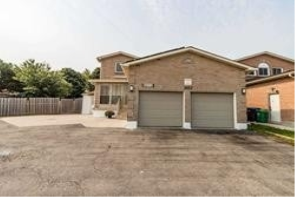 5012 Guildwood Way, Mississauga