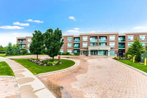 35 Via Rosedale Way, Brampton