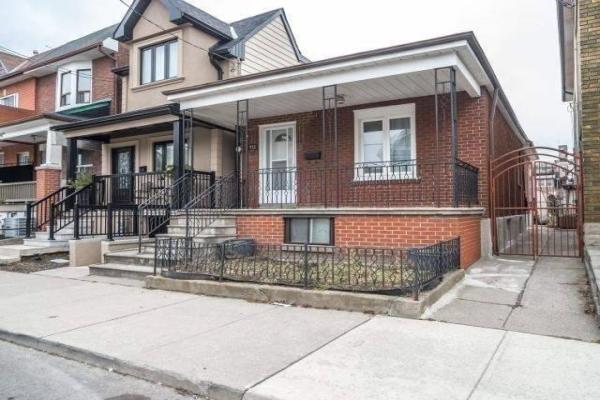 113 Lappin Ave, Toronto