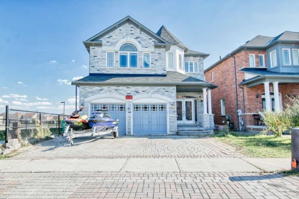 628 Twain Ave, Mississauga