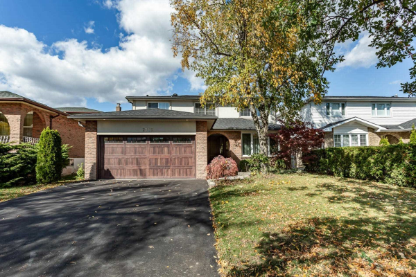 2519 Waterford St, Oakville